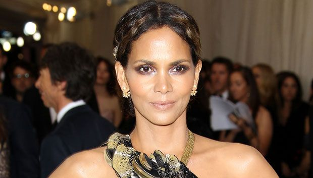 Halle Berry 'Loves' JAY-Z's Eric Benét Diss Track — His Cheating Ruined Our Marriage https://tmbw.news/halle-berry-loves-jay-zs-eric-benet-diss-track-his-cheating-ruined-our-marriage  If the shoe fits? JAY-Z shamelessly blasted Eric Benét on his sizzling new album '4:44,' calling him out for cheating on Halle Berry. We've EXCLUSIVELY learned that she 'absolutely loves' the track, especially since Eric dissed her shortly after its debut!It looks like Halle Berry , 50, has found a hot new jam…