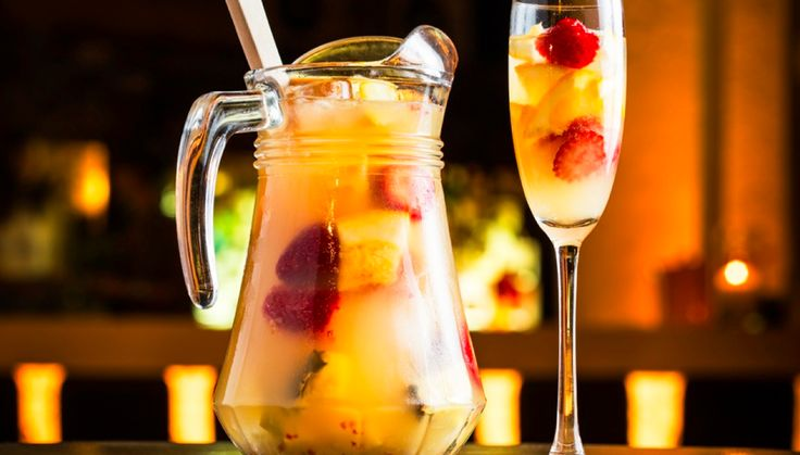 NYE Sangria – Tropical Strawberry and Mango Sangria