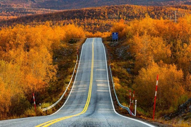 A road in Kilpisjärvi, Finnish Lapland. Photo by Antero Ohranen. #autumncolors #ontheroad #roatrip #filmlapland #finnishlapland #filmlocation #arcticshooting