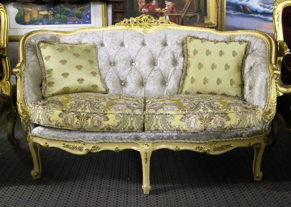 LOVELY!!!! Italian Wedding Bench with Hand Carved Solid Wood Gold Leaf Accents