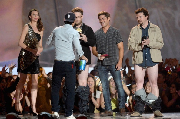 Zac Efron, Seth Rogen, Danny Mcbride & Taylor Lautner presenting at the MTV Movie Awards 2013