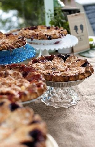 Perfect for a rustic wedding #weddings #desserts #pies