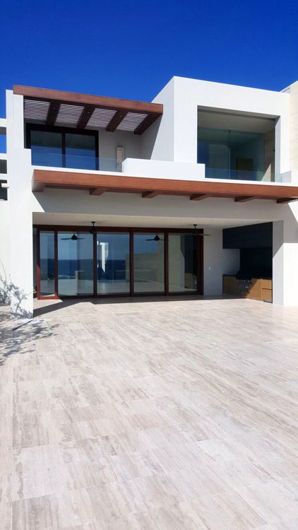 Modern villa in Mexico with a magnificent view on the Ocean. Would you like to awake there?