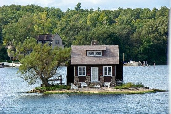 tiny island, tiny house I would have a big yard if this was on Lake Travis right now. Love!!