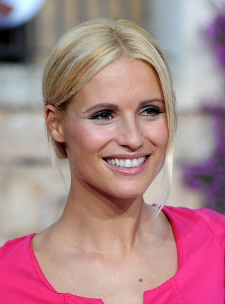 Michelle Hunziker Photos: Lafer! Lichter! Lecker! Share and Enjoy! #anastasiadate