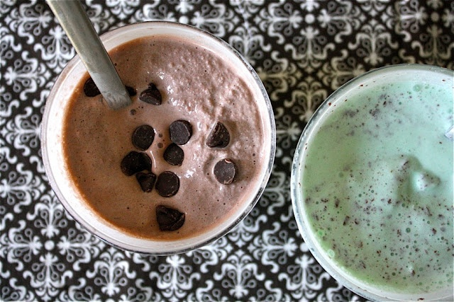 mini homemade milkshakes - just mix them by hand.Desserts, Yummy Snacks, Milkshakes Recipe, Yummy Drinks, Milk Shakes, Homemade Milkshakes, Minis Homemade, Blenders, Minis Milkshakes