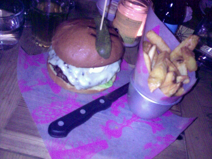 Bill's burger - best in Town! http://www.bills-website.co.uk/