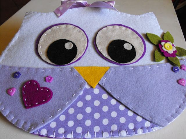 Can't read it but still a cute owl.