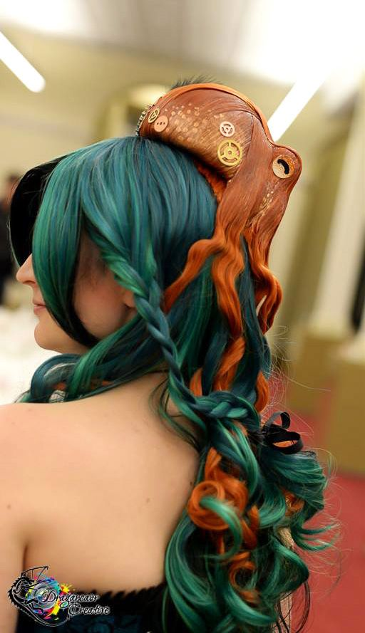A Delightful Octopus Hairpiece by Kirstie Williams -- this has nothing to do with painting the walls, but it's pretty sweet.