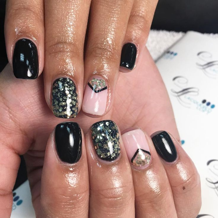 See this Instagram photo by @nails.byliz • 215 likes