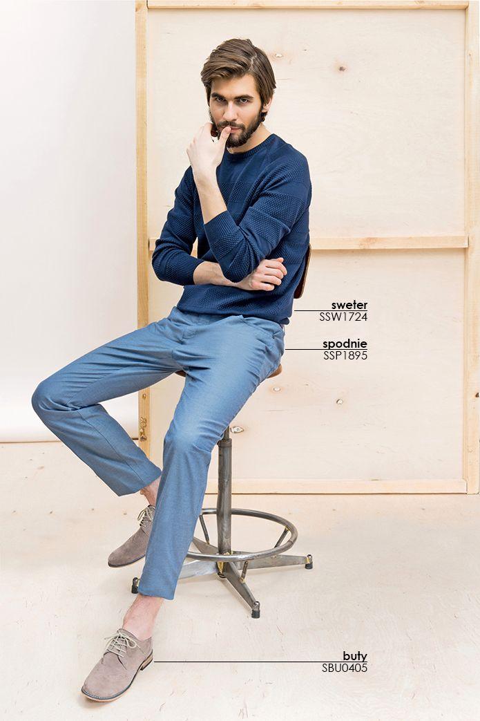 #chinosy męskie można łączyć z klasycznym swetrem