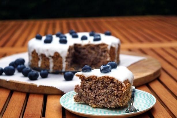 Recept voor glutenvrije taart met bosbessen en limoen en suikervrij glazuur - Foody.nl