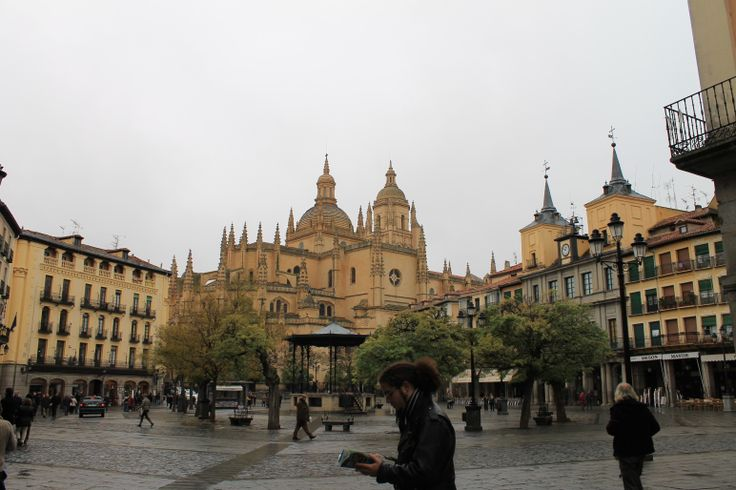 Plaza Mayor y Catedral de Segovia