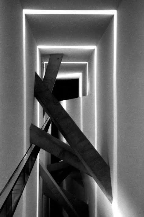 Daniel Libeskind, Jewish Museum, Berlin. S) http://beyondarchitecture.blogspot.jp/2009/11/daniel-libeskind-jewish-museum-berlin.html