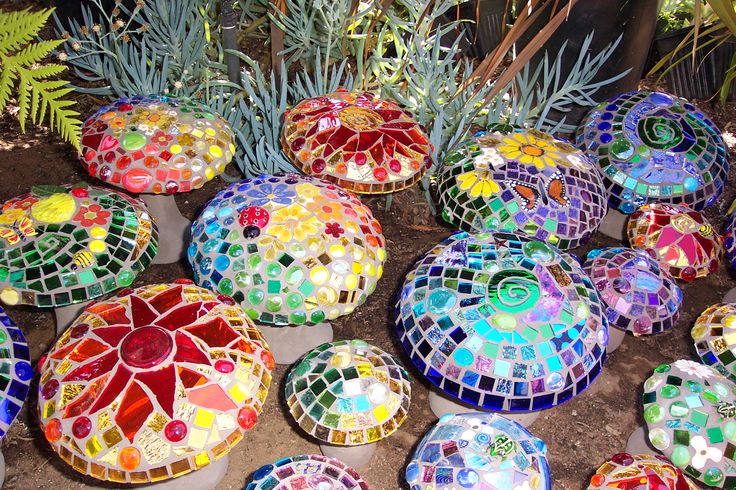 2005 Open Studios Art Tour - first garden mushrooms by Passiflora Mosaics.