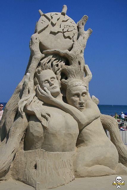 Sand sculpture by Steve Topazio ... photo by Grain Damaged, via Flickr
