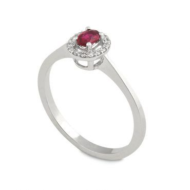 Ροζέτα δαχτυλίδι Κ18 από λευκόχρυσο με ρουμπίνι σε οβάλ κοπή και διαμάντια μπριγιάν περιμετρικά | Δαχτυλίδια ΤΣΑΛΔΑΡΗΣ στο Χαλάνδρι #δαχτυλιδι #ρουμπινι #διαμαντια #ορυκτες