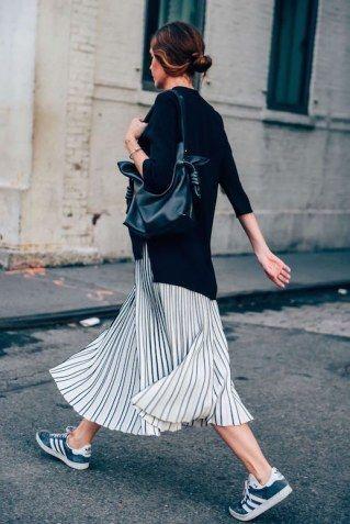 Gestreifte Röcke liegen im Trend