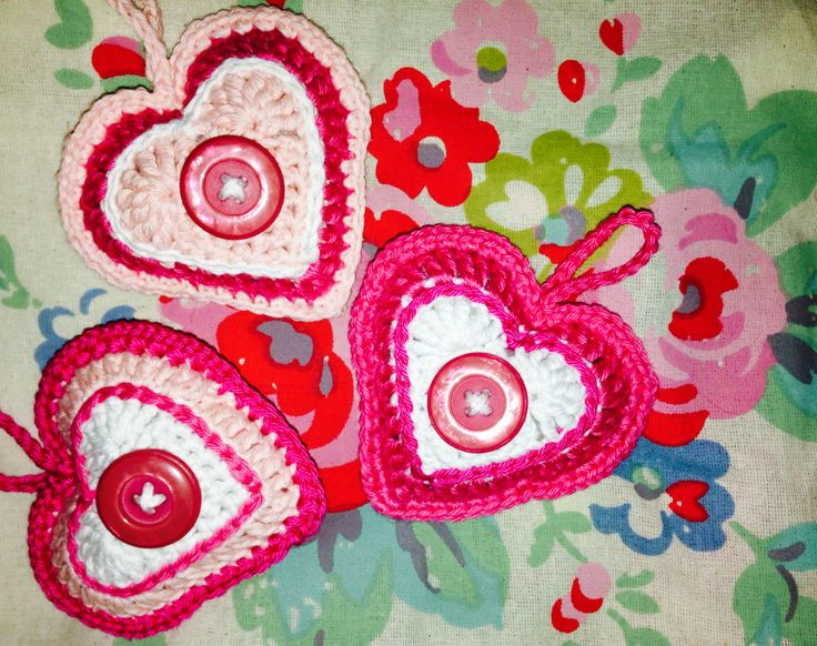 Crochet hearts for Valentines Day Oh Sew Maeve