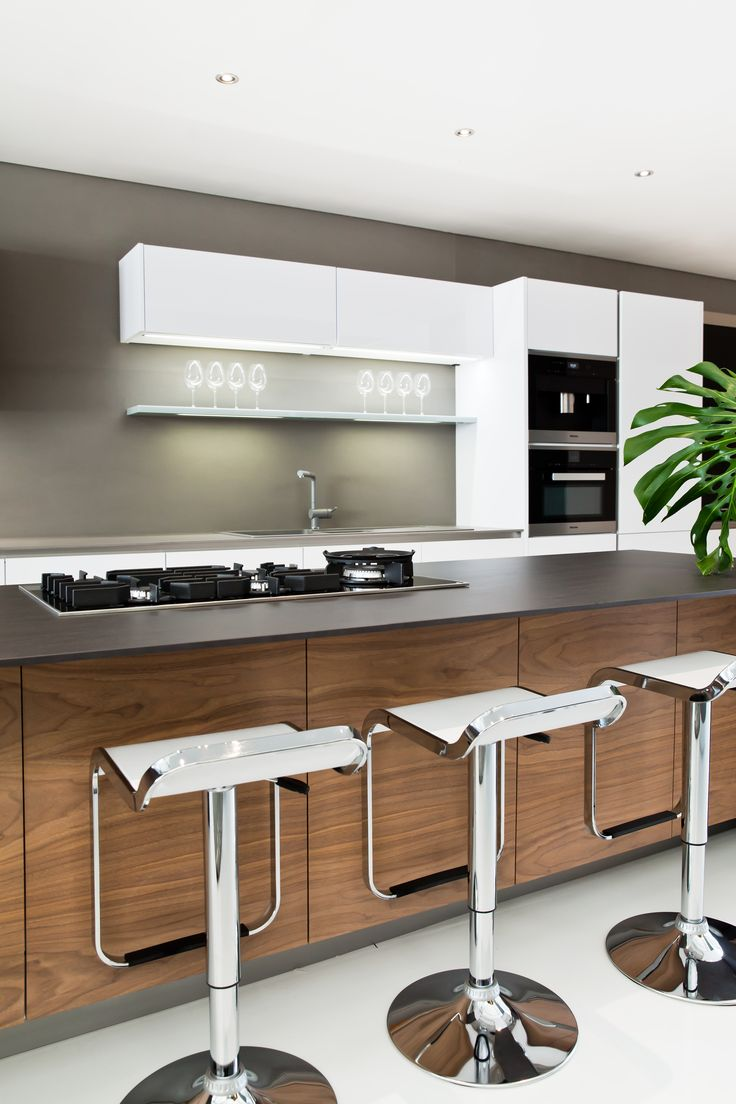 These Days You Can Find A Ton Of Beautiful Kitchen Projects On Websites Like Pinterest Many Ambitious H Beautiful Kitchens Kitchen Projects European Kitchens