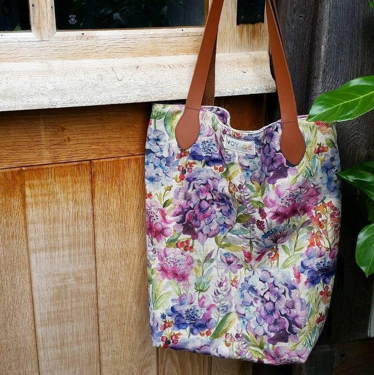 Вот такие весенние, стильные, вместительные и удобные #сумки @voyage_deco вы можете приобрести в #Galleria_Arben #voyagemaison #spring