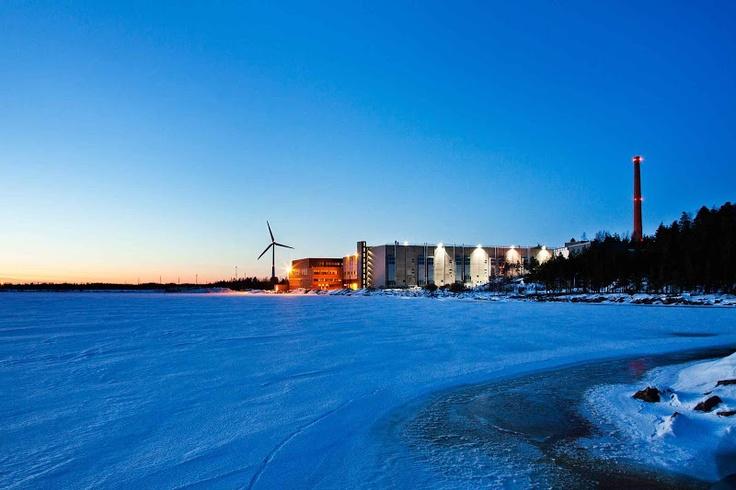¿Necesitan refrigeración en Finlandia?, ¡abrid una ventana! pero no la puerta que nos congelamos :-s