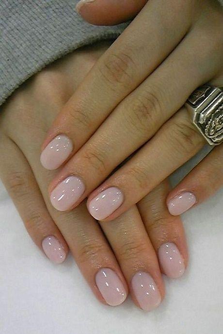 Disegni unghie rosa per unghie corte
