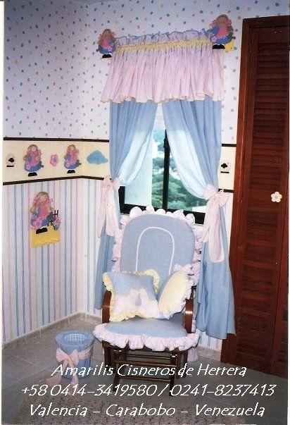 DECORACIÓN DE HABITACIÓN DE NIÑA, Cortina con Cenefa, Cojines de Mecedora, papelera. Set de Madera de Muñequita: cortineros, cenefa decorativa, repizas, etc. Por AMARILIS CISNEROS DE HERRERA - VENEZUELA +58-414-3419580 / 0241-8237413