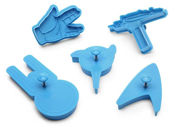 ThinkGeek :: Star Trek Cookie Cutters  I must have these! They will go great with my Enterprise pizza cutter!!!