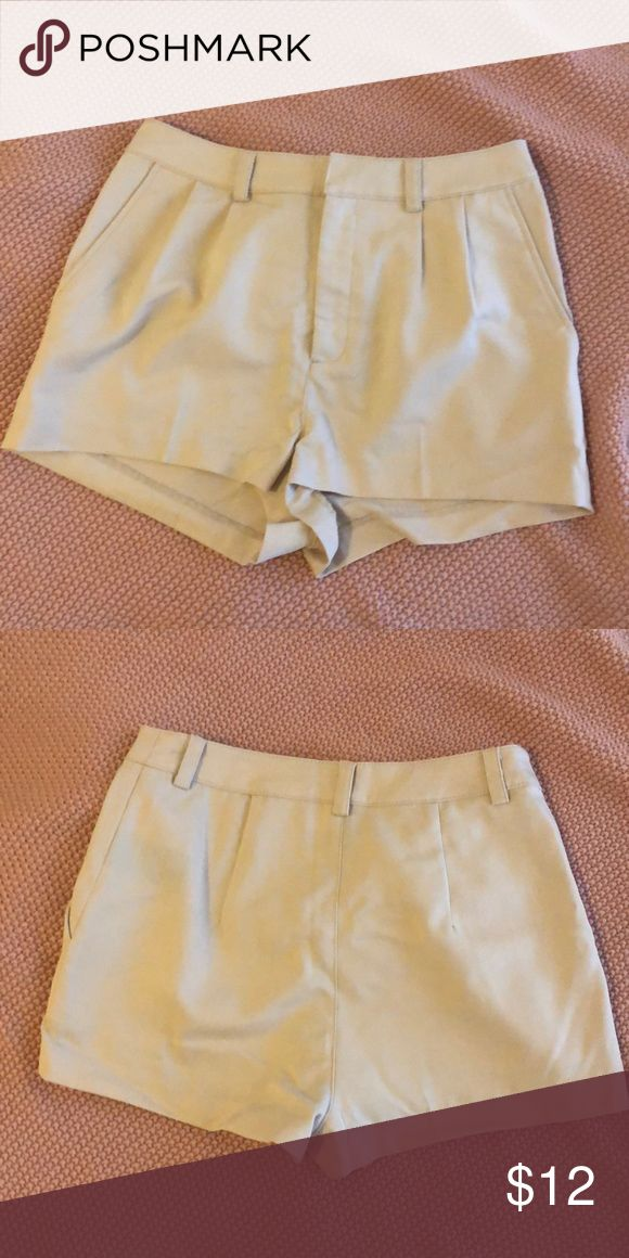NWOT cream shorts These cream shorts are the perfect comfy pair of shorts to wear and still look dressy and cute! Pair with a blouse and bright heels for the most cute and fun street style outfit! These are similar in style to J crew but purchased somewhere else and I️ can't remember where 😅 only worn to try on. J. Crew Shorts