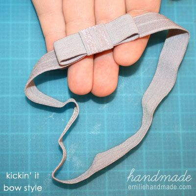 Exactly what I was looking for! Tutorial for easy stretchy headbands, and a link to buy the elastic super cheap on ebay! Can't wait to make these.