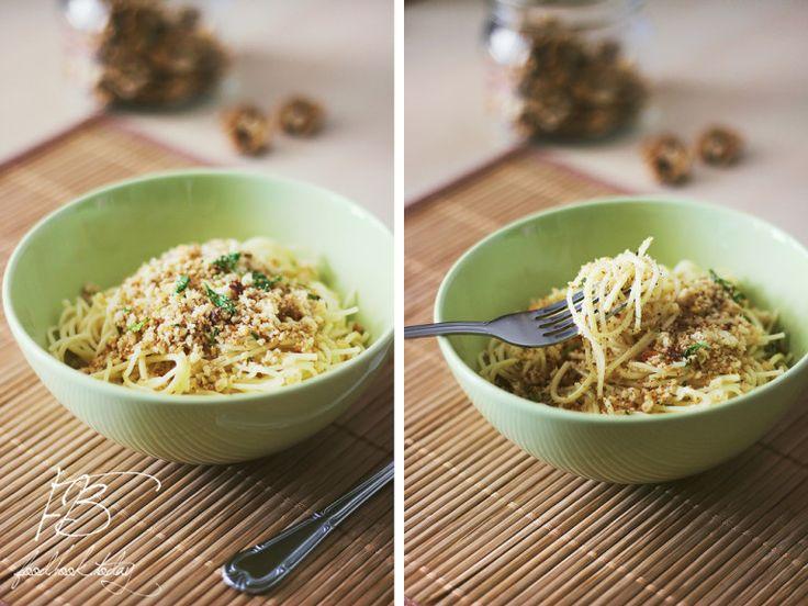 спагетти-с-хлебными-крошками-и-орехами