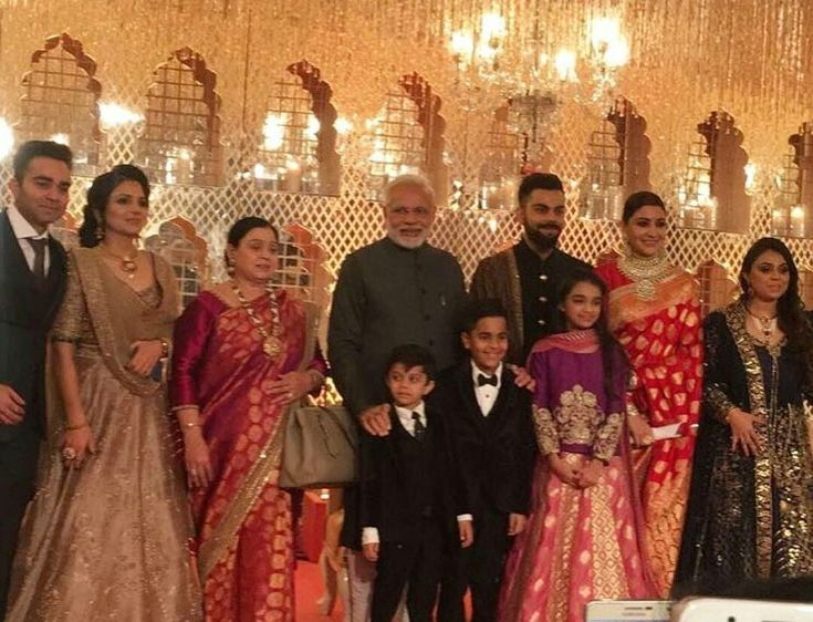 Varun Dhawan And Alia Bhatt Virat Kohli's family w...
