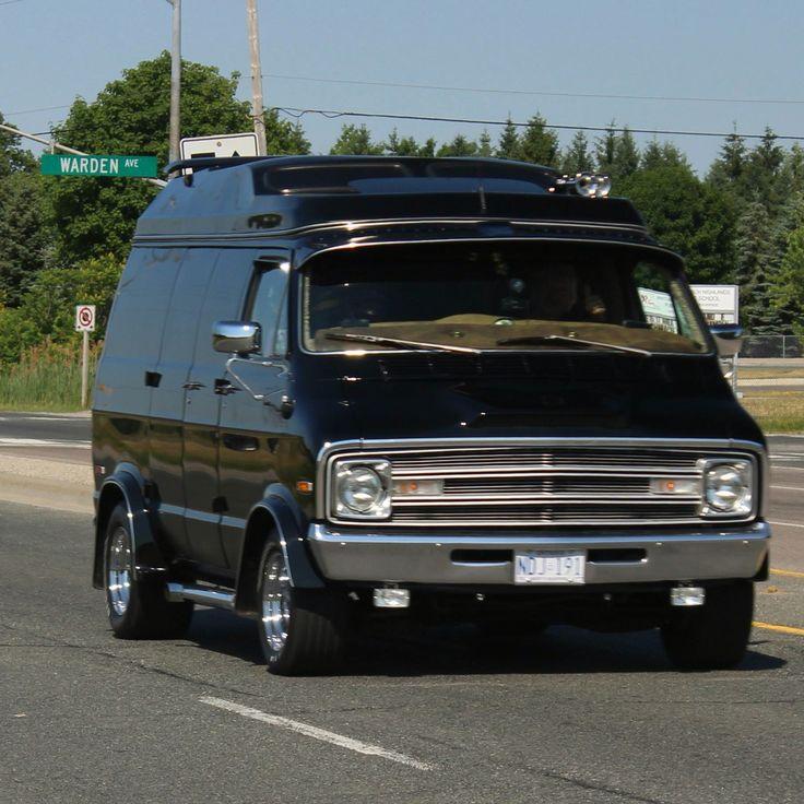 Custom 70's Dodge van
