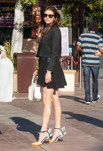 ニーナ・ドブレフ - スタイリッシュ!いい女なモノトーンスタイルは足元にポイント | 海外セレブファッションスナップ CELEB SNAP