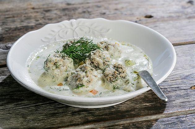 Γιουβαρλάκια με λαχανικά και αβγολέμονο