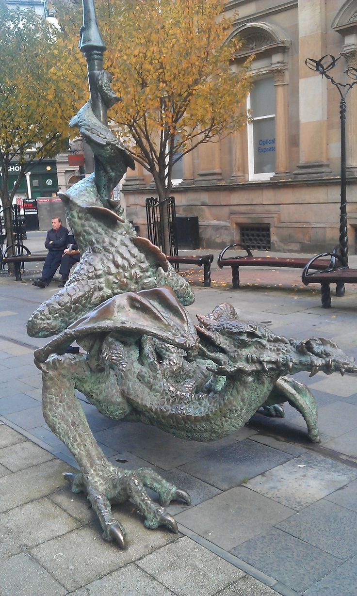 street dragon , Dundee, Scotland. In Feng Shui, it's good luck to have a dragon…