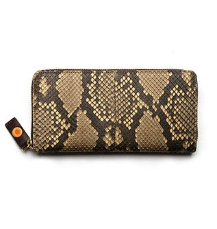 Zip around continental python wallet / Billetero-Monedero pitón con cremallera. Small Leather Goods - Accessories: An exclusive wallet crafted in authentic python leather. Elegant, exotic and tremendously practical to fit all your cards, receipts, bills and coins.