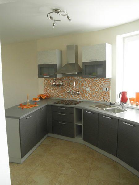 Kuchyňa šedá - mozaika - BMV Kuchyne