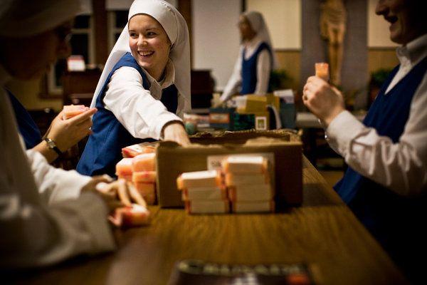 Bucking a Trend, Some Millennials Are Seeking a Nun's Life - The New York Times