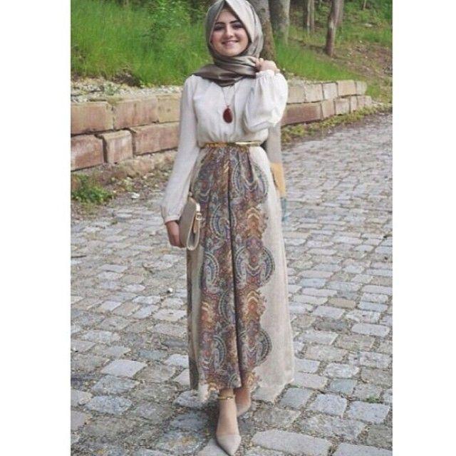 Hijab Fashion 2016/2017: simplyxcovered (S I M P L Y C O V E R E D) on Instagram  Hijab Fashion 2016/2017: Sélection de looks tendances spécial voilées Look Descreption simplyxcovered (S I M P L Y C O V E R E D) on Instagram
