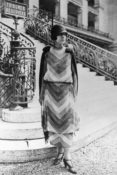 A model wearing a chevron dress at St. Cloud, Paris, 1924. #vintage #fashion #1920s
