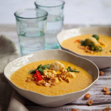 Ulrika Davidssons thailändska blomkålssoppa - Recept - Tasteline.com