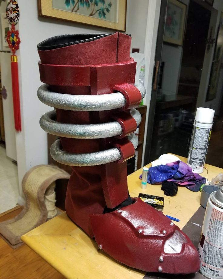 One ridiculous looking boot done and one to go!  #cosplay #craftyourfandom #evafoam #armor #wip #progress #galactus #marvel #marvelcosplay #foamsmith #worbla #freehand #craftfoamarmor #katsucon #katsucon2018 #follow #like