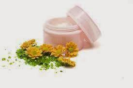 Cosmetice naturale handmade: Cum să începem să facem creme homemade!