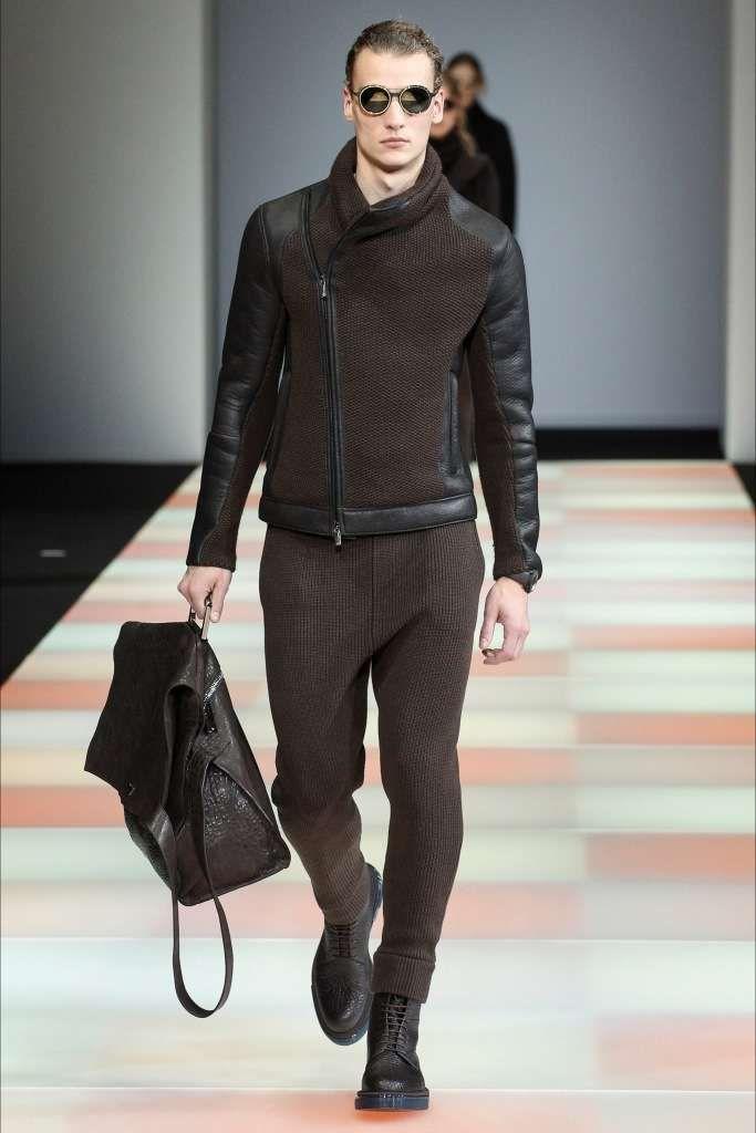 Abbinare scarpe marroni uomo - Look casual marrone Emporio Armani ... b6e28e24157