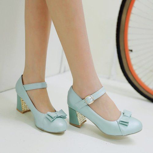 17 best images about sch ne schuhe on pinterest pump mary janes and thick heels. Black Bedroom Furniture Sets. Home Design Ideas