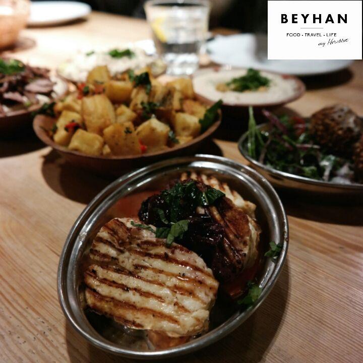 Köstliches Street Food aus Beirut...unter anderem auch für Vegetarier perfekt geeignet.