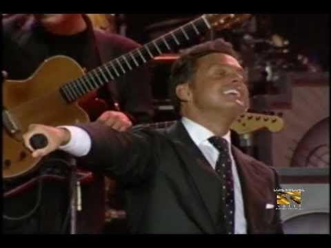 Luis Miguel - Te Necesito - En Vivo 25 Años Tour Venezuela 2007 YEAH! Way to close the song, mmmmmm