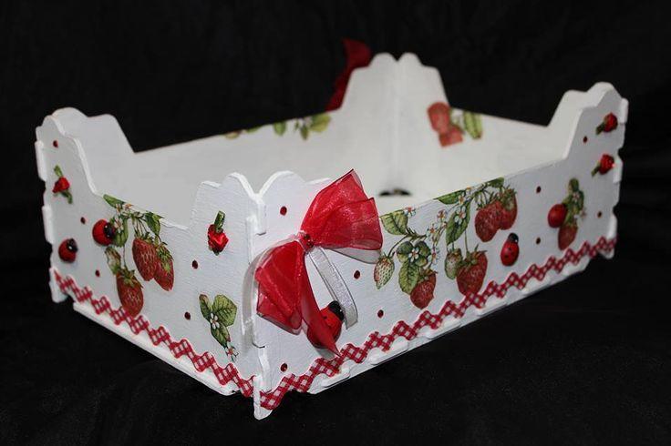 Caja decorada con servilletas